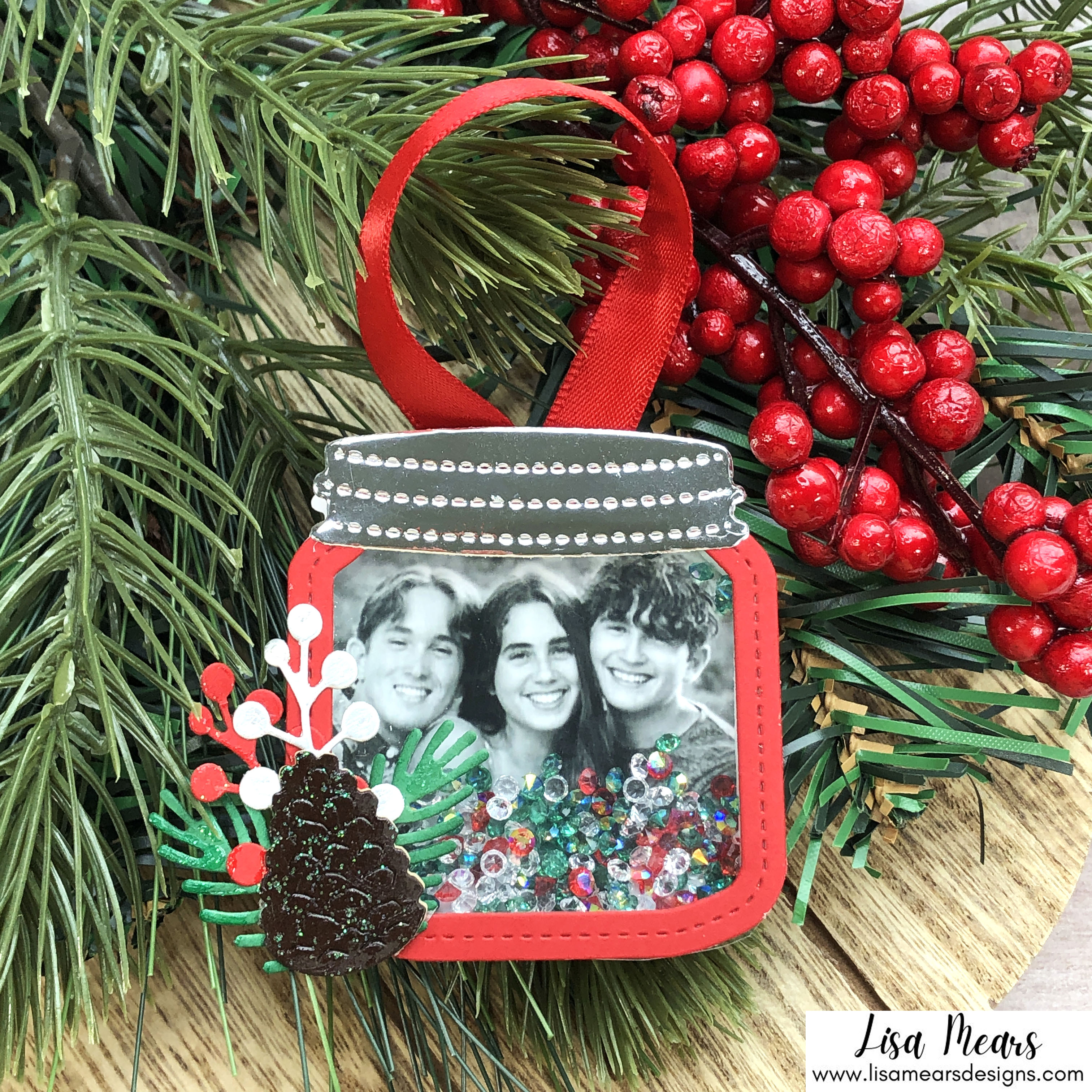 Queen & Co Holiday Jar Shaker Kit - 10 Cards 1 Kit - Christmas Shaker Ornament with Photo